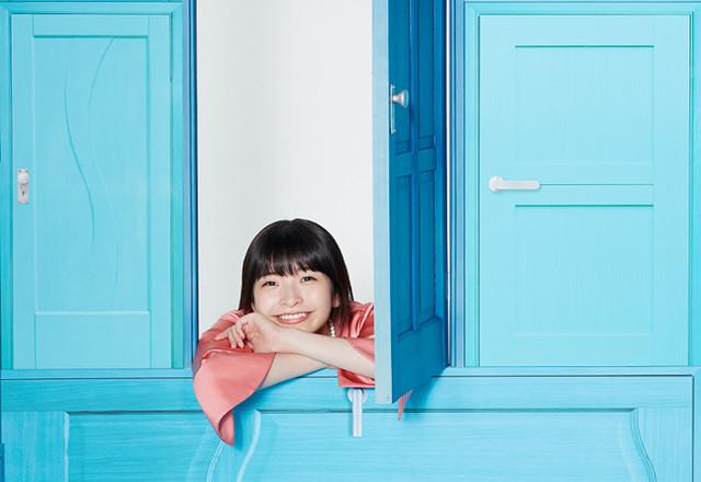 halca의 2nd 싱글 '스타팅 블루'의 재킷 사진 공개