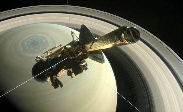 토성의 가장 안쪽 고리에는 물보다 유기물이 더 많아
