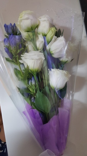 [선물] 퇴원맞이 건강회복 선물- 꽃 그리고 미역국