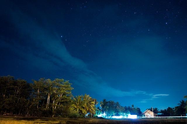 가을철 밤하늘 별자리는 네모난 사각형에서부터