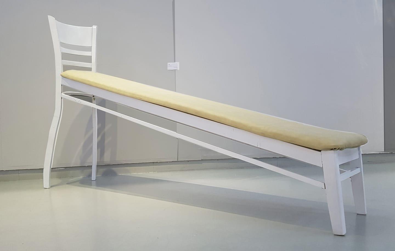 이명환 《미끄럼 의자 Sliding Chair》_쉐마미술관