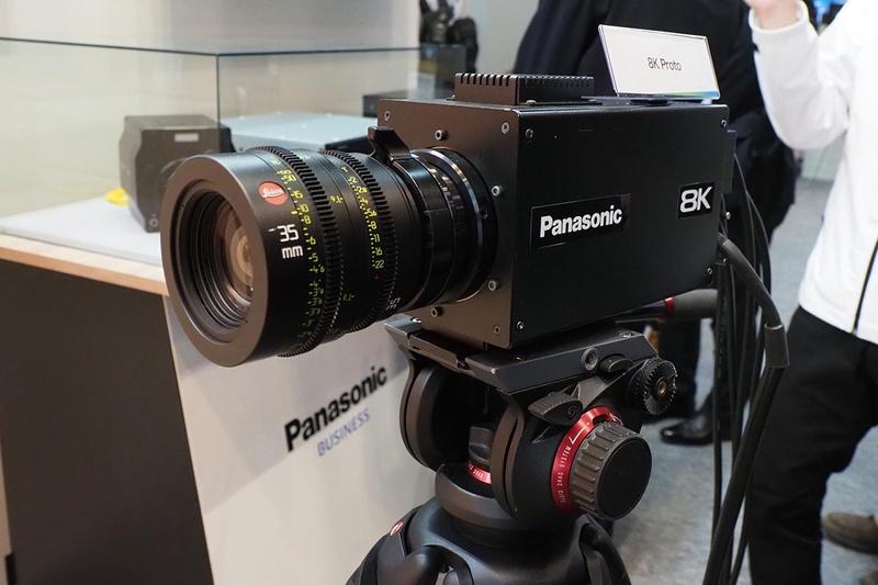 8K 카메라 장비들이 이제 스슬 나오는 군요.
