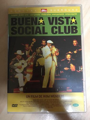 """""""브에나비스타 소셜 클럽"""" DVD를 샀습니다."""
