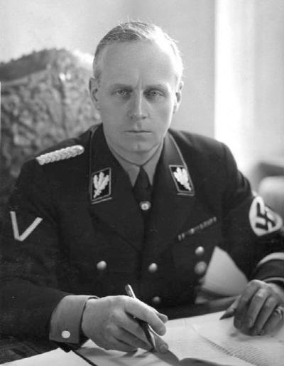 《역사군상》두 얼굴의 전사가戰史家 파울 카렐 (2)
