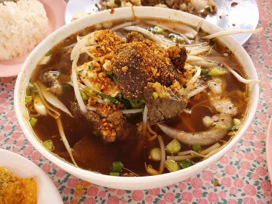 <뭄알로이 / 홍대> - 확실한 맛의 태국음식점