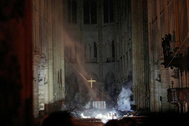 불타버린 노트르담 성당 내부 모습
